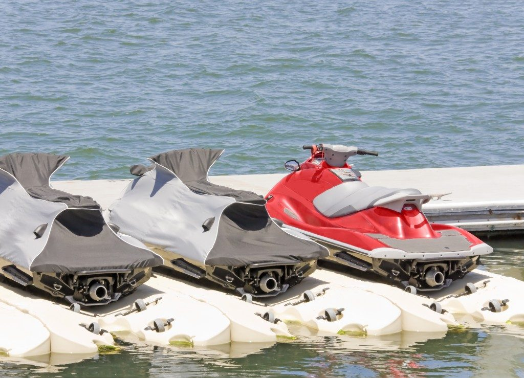 jetski parked on the lakeside
